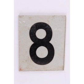 "Skilt, metal m text ""8"", 5x52 mm, s.h."